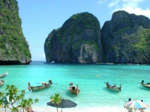 Las aguas de Tailandia son preferidas por miles de personas por su temperatura y color (foto: http://thailandia.evolutiontravel.es/)