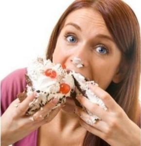 Las constantes ganas de comer también son un síntoma de la ansiedad.