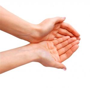 El Reiki es un sistema de sanación, autosanación y reequilibrio bioenergético mediante la transmisión de la energía Universal curativa a través de la imposición de manos.