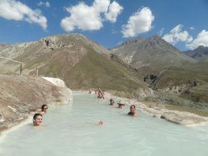 9634-aguas-termales-banos-colina